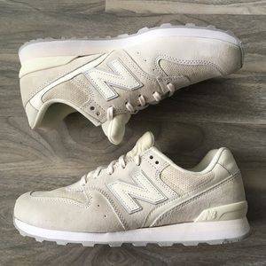 New balance cream 696 sneakers 8 nwt